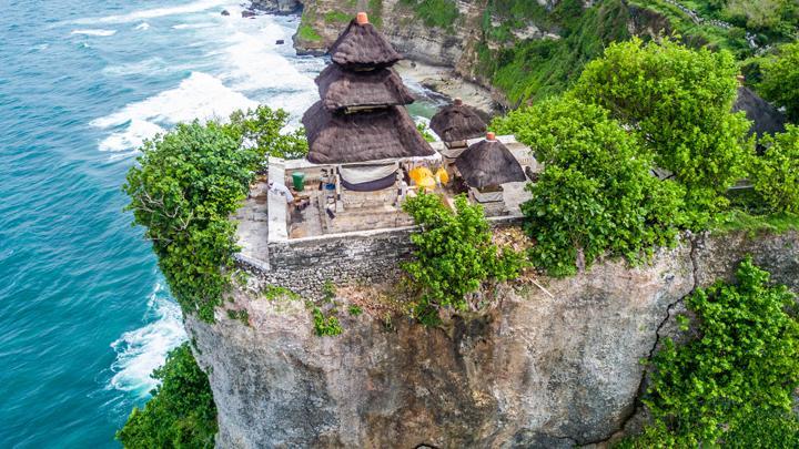 Wisata Pura Uluwatu di Bali