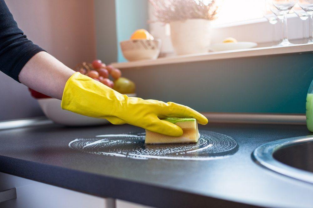 Selalu Membersihkan Dapur