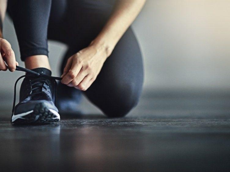 Cara Memilih Sepatu Olahraga Yang Tepat