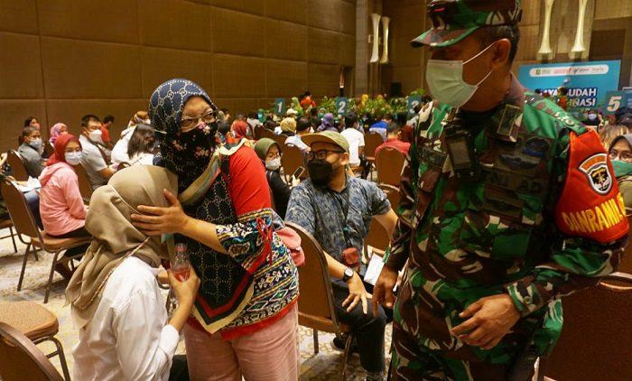 Pemkot Tangerang Gelar Vaksinasi Pelayan Publik di Hotel Novotel