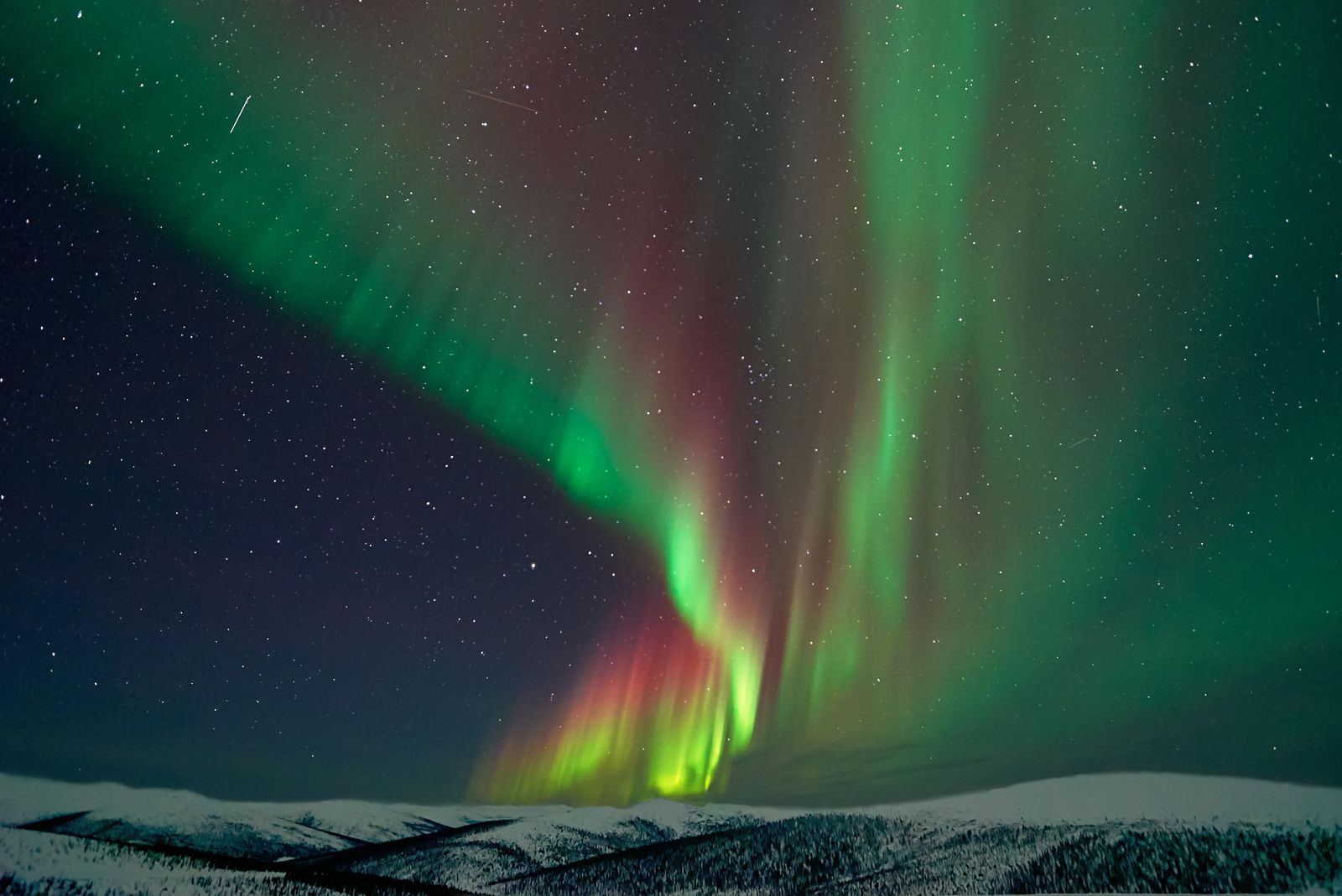 Northern Lights Juneau Alaska Source Smithsonian Magazine