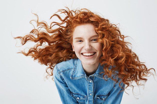 5 Cara Merawat Rambut Ikal Agar Tidak Mengembang