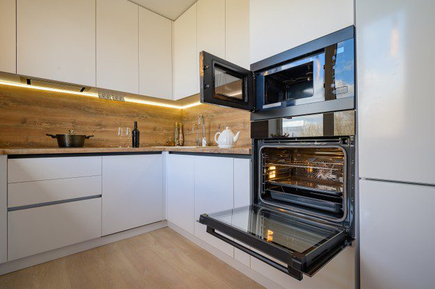 Kamu Harus Tahu! Ini Dia Perbedaan Oven Dan Microwave