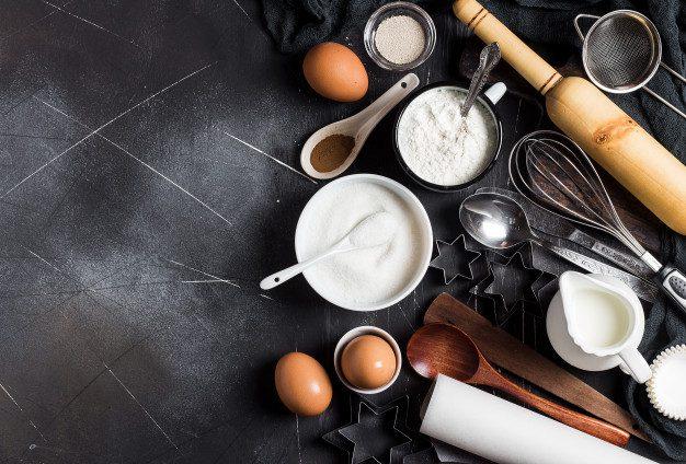 Gemar Membuat Kue? Ini Dia Peralatan Kue Yang Wajib Ada di Dapur