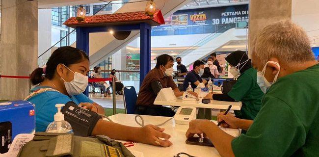 TNI Gelar Vaksinasi Massal Di Tangcity Mall