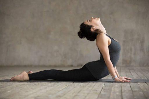 Gerakan Yoga Untuk Pemula Yang Ampuh Bakar Lemak di Perut