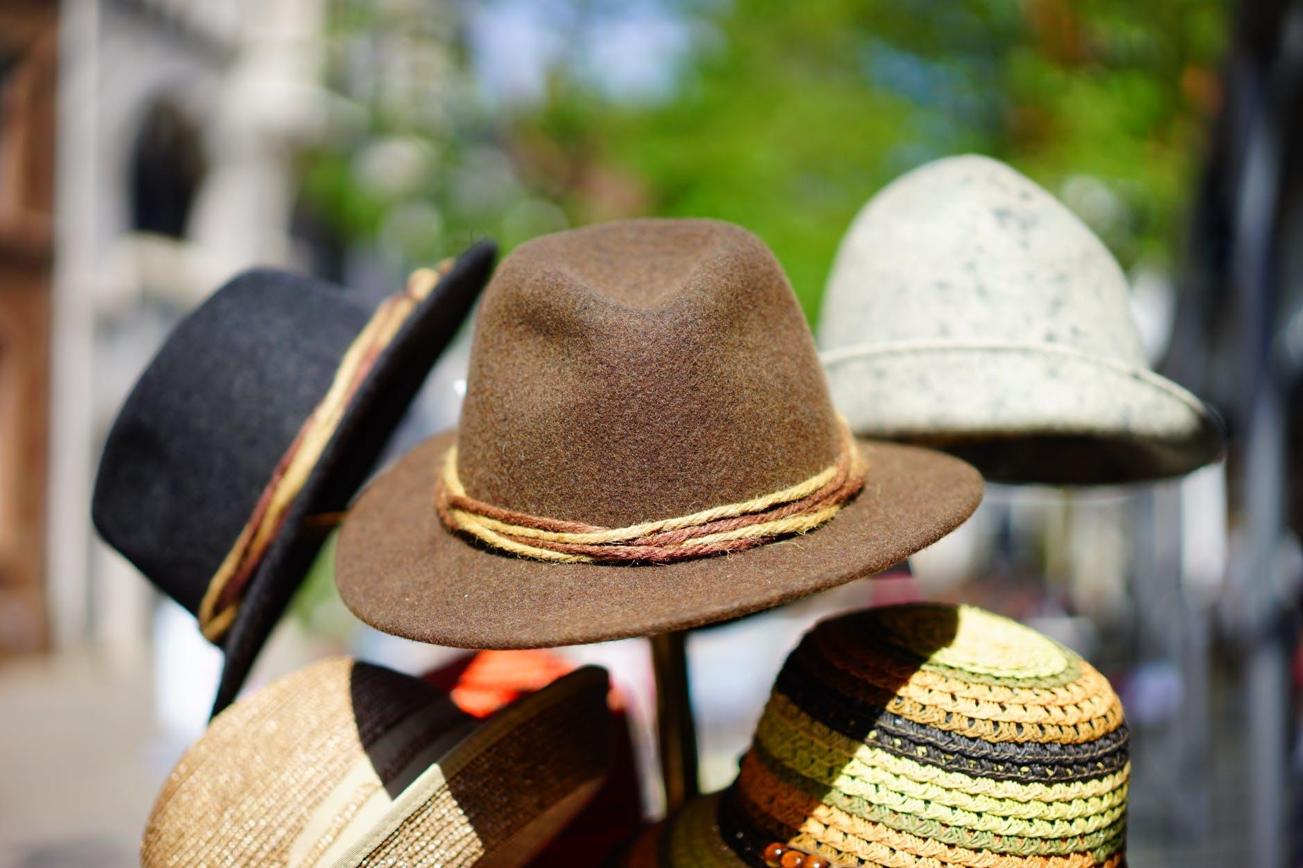 Tampil Beda Dengan Jenis Topi Berikut Ini
