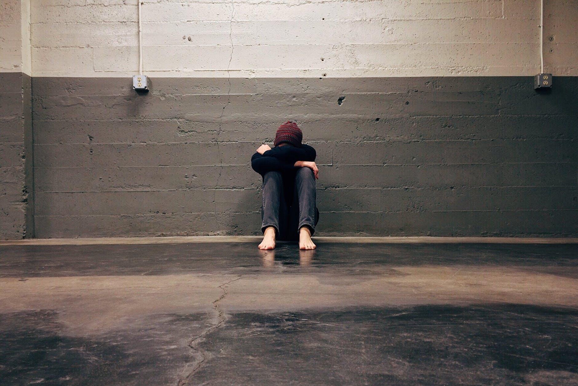 Serupa Tapi Tak Sama, Kenali Perbedaan Stres dan Depresi Pada Diri