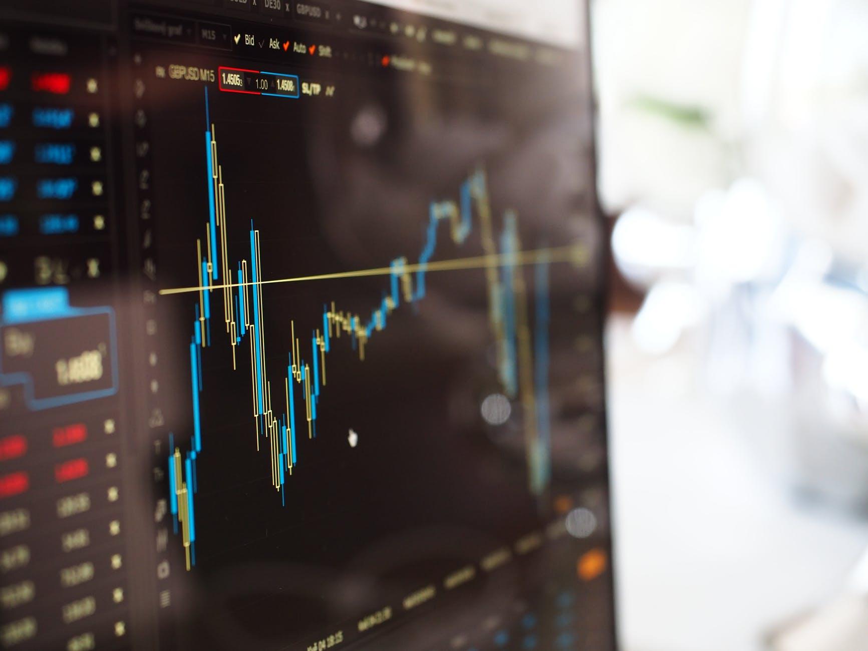 Perbedaan Investasi Saham Aktif dan Saham Pasif