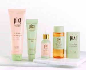 Pixi, Brand ini lahir dari seorang makeup artist asal Swedia bernama Petra Strand