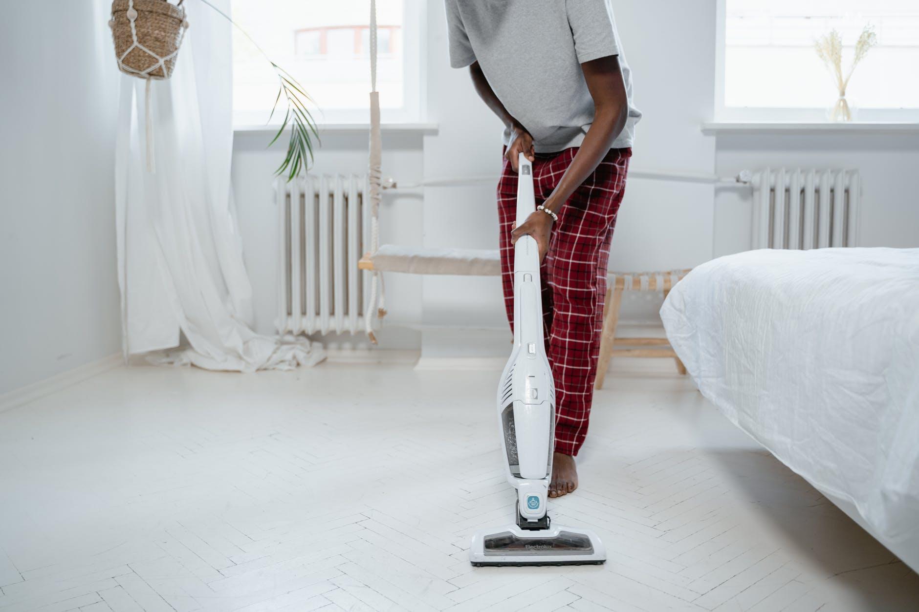 Kelebihan Membersihkan Apartemen Menggunakan Vacuum Cleaner